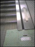 八王子地下の階段